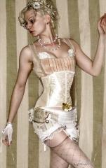 White Cabaret Zita