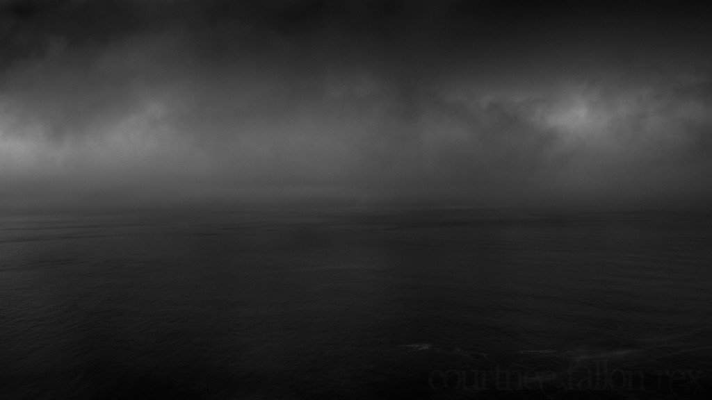 Black and White Image: Foggy ocean horizon